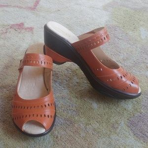 JAMBU ORANGE BLACK LEATHER SLIDES SHOES SZ 8M